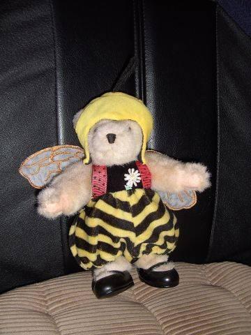 Christas Bärchen: Bienenbär