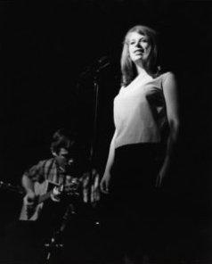 Ry Cooder und Pamela Polland 1964 im Musicclub 'Ash Grove' in Los Angeles, CA