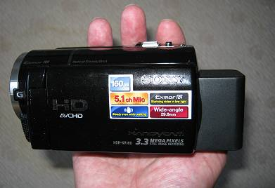 die 'handliche' Sony HDR-XR 160e mit größerem Akku