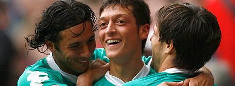 Werders Rotsünder (Pizarro, Özil, Diego) – da lachen sie noch