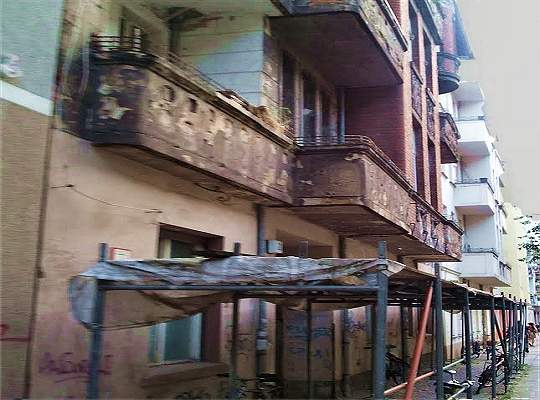 Abstürzende Balkone