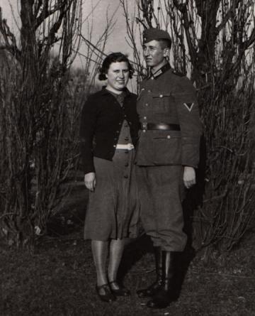 Maria und Hermann – Verlobte in Köln, Hindenburgpark (heute: Friedenspark), im November 1941