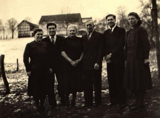 Familie Matthias Wolf, 1950, Berghausen/Oberpleis