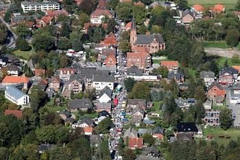 Flohmarkt in Tostedt - Töster Markt 2011/ Luftbild von Markus Lohmann www.gyrocopter-fly.de