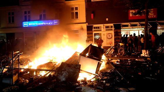 Straßenschlacht zwischen Autonomen und der Polizei – Schulterblatt/Schanzenviertel in Hamburg 07./08.07.2017
