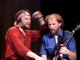 Ian Anderson plitschnass: Jethro Tull live - Under Wraps-Tour 1984