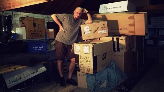 Kramen in Ian Andersons Dachstübchen