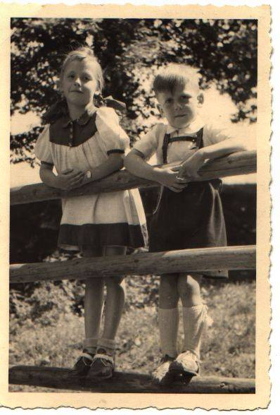 Inge Waltraud Maria († 21.07.2015) und Bruder Armin