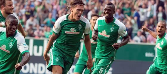 Vestergaard (SV Werder Bremen) bejubelt das 2:1 gegen Gladbach