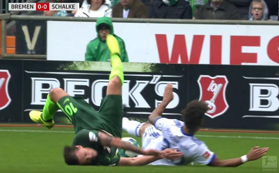 Werder - Schalke (4. Spieltag 2017/2018): Max Kruse bricht sich das Schlüsselbein