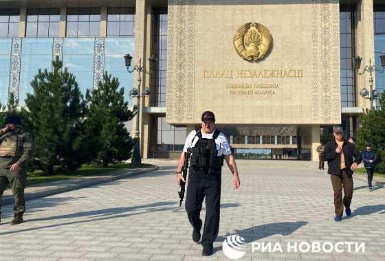 Lukaschenko ganz martialisch