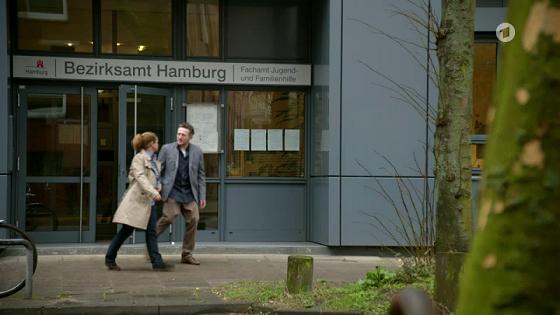 Eingang zum Bezirksamt (Suchdienst)