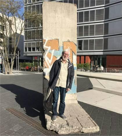 Teil der 'Berliner Mauer': Platz der Deutschen Einheit, Hamburg - Oktober 2018