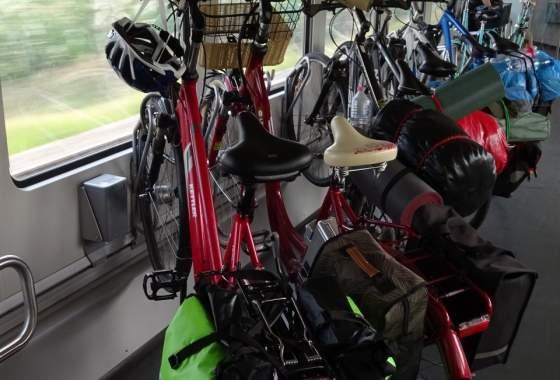 Fahrradwagen im Zug nach Hause