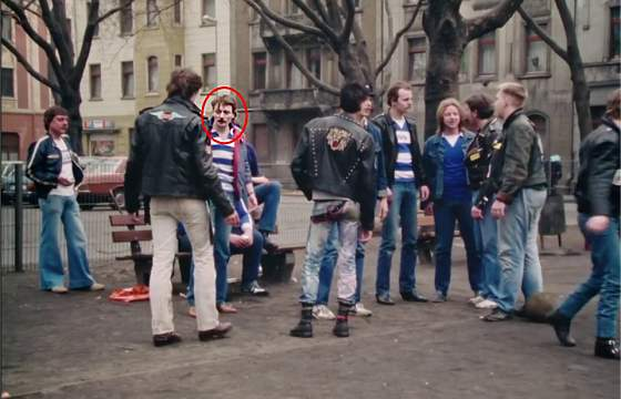 (1) Helge Schneider als MSV-Duisburg-Fan