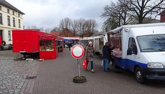 Wochenmarkt in Tostedt: 'Keine Durchfahrt!'